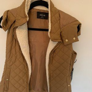 Active USA Quilted Vest